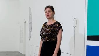 Dorothea Strauss, Direktorin Haus Konstruktiv, in der Jubiläumsausstellung «Die phantastischen Vier – Zürich konkret».
