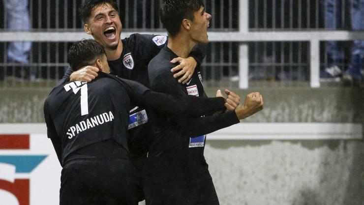 Die Freude über das 3:2 ist gross: Gegen den SC Kriens erreicht der FC Aarau seinen ersten Auswärtssieg der Saison.