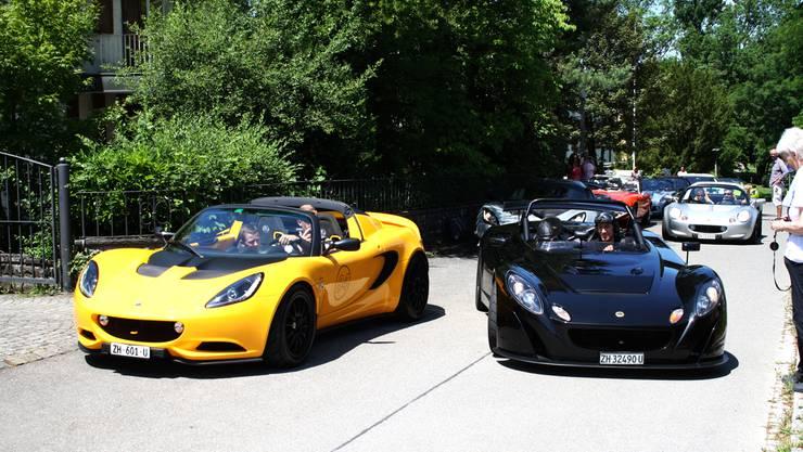 Die Limmattaler Garagisten Tobias Bjarsch und Bruno Weibel in ihren Lotus Sportwagen