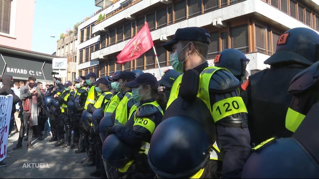 Corona-Demo in Baden: Polizei weist 28-Jährigen weg