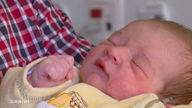 Neujahrsbaby Aron erblickt Licht der Welt