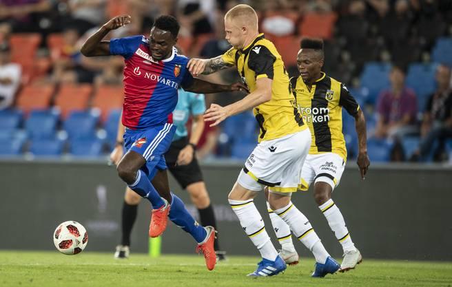 Dimitri Oberlin (links) war an beiden Toren der U21 des FC Basel beteiligt.