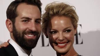 Katherine Heigl und Josh Kelley sind seit neun Jahren verheiratet und haben zwei Mädchen adoptiert. Nun soll die Schauspielerin ihr erstes Kind erwarten. (Archivbild)
