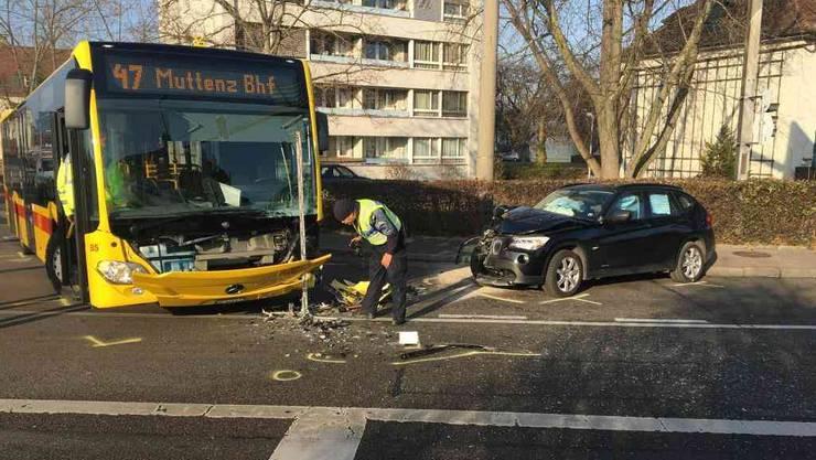 Beide Fahrzeuge erlitten einen erheblichen Sachschaden.