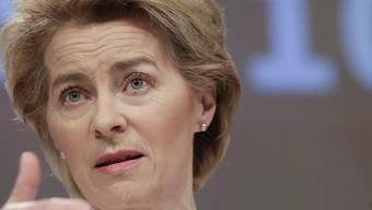 Kampf gegen Coronavirus: EU-Kommissionspräsidentin Ursula von der Leyen will Einreisen in die EU aussetzen. (Archiv)