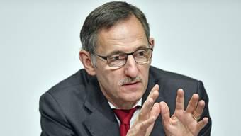Mario Fehr verteidigt seine für SP-Verhältnisse strenge Asylpolitik. (Archiv)