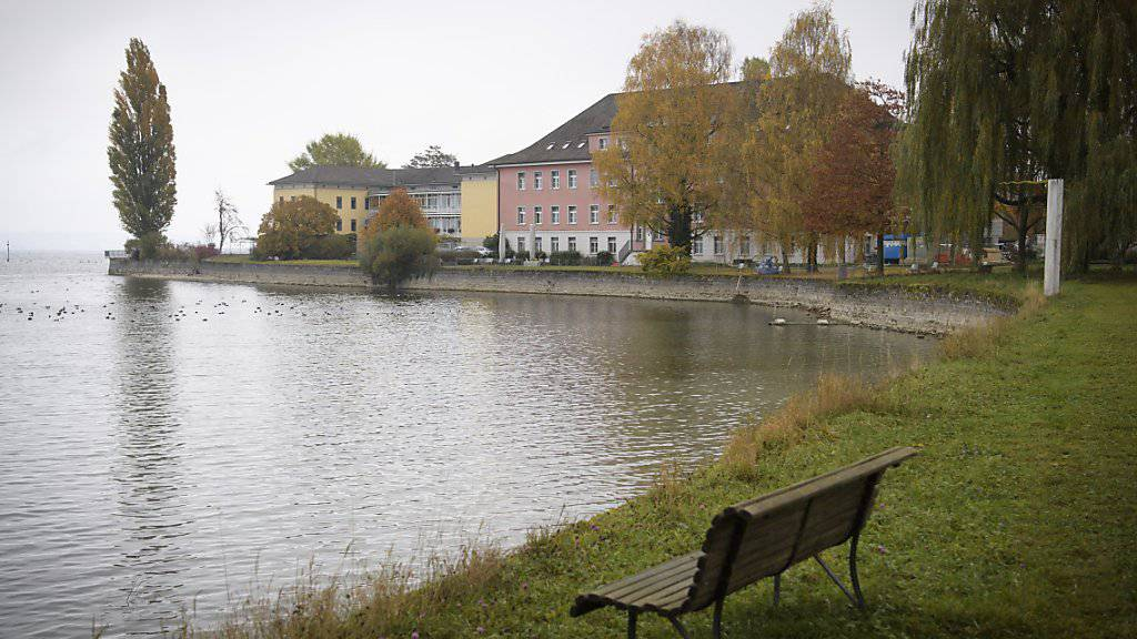 Nicht nur in Basel hat es Medikamentenversuche an Patienten gegeben. Auch in der Psychiatrischen Klinik Münsterlingen TG - im Bild - wurde bis in die 1980er-Jahre hinein Dutzende Substanzen getestet. (Symbolbild)
