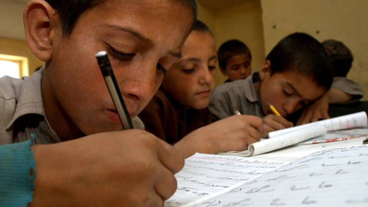 Die Unesco fordert verstärkte Anstrengungen, um weltweit allen Kindern einen Schulbesuch zu ermöglichen. (Symbolbild)