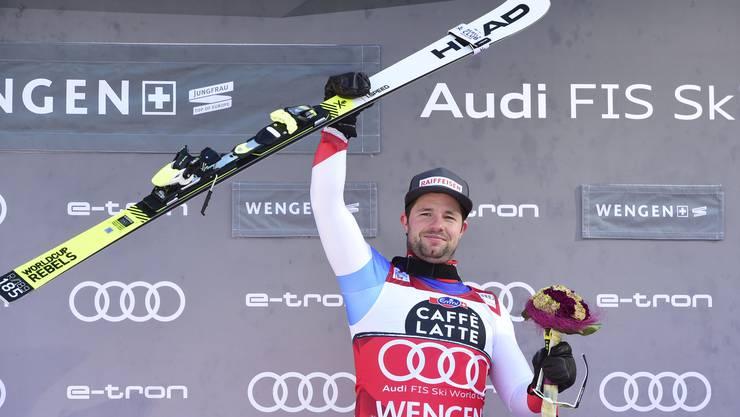 Beat Feuz hat zum dritten Mal nach 2012 und 2018 die Lauberhorn-Abfahrt gewonnen.