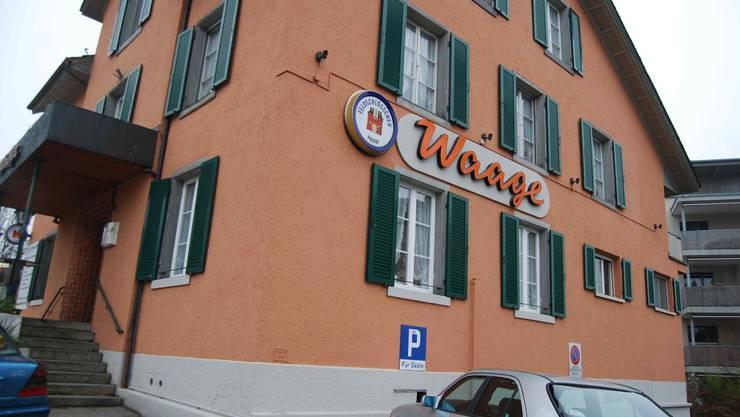 Restaurant Waage: Markante Lage in der Nähe von Reuss, Altstadt und Kapuzinerkirche.