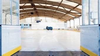Der Eishockeybetrieb auf der Urdorfer Weihermatt steht derzeit still. Die Kinder sollen aber bald wieder aufs Eis zurückkehren.