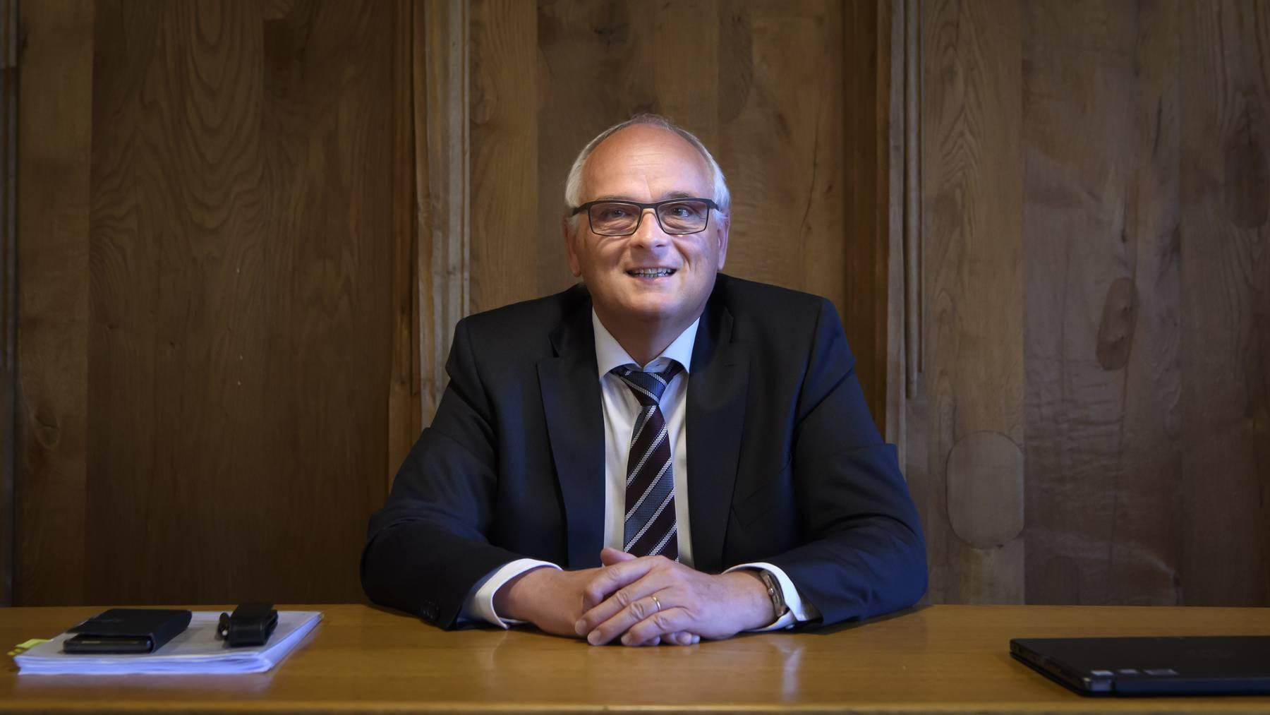 Gesundheitsdirektor Pierre-Alain Schnegg hätte die Grundlagen für eine Maskenpflicht bereit – doch noch zögert Berns Kantonsregierung.
