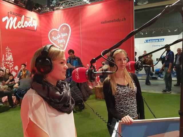 Nadja Graber (Rheintaler Bierkönigin) und Claudia Graf (Geschäftsführerin Sonnenbräu) (© Radio Melody / IE)