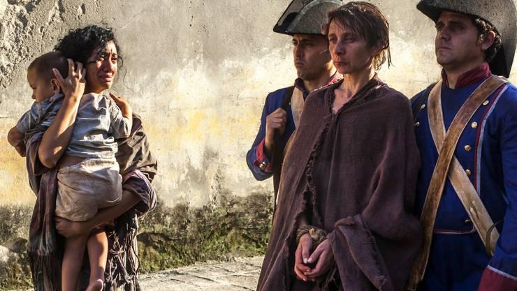 Sylvie Testud als Henriette Favez (Mitte).