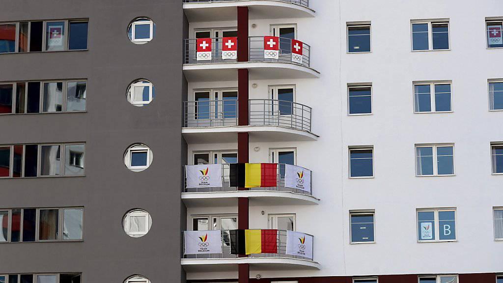 Die Schweizer Flaggen in Minsk hängen schon, Schweizer Medaillen sollen Folgen