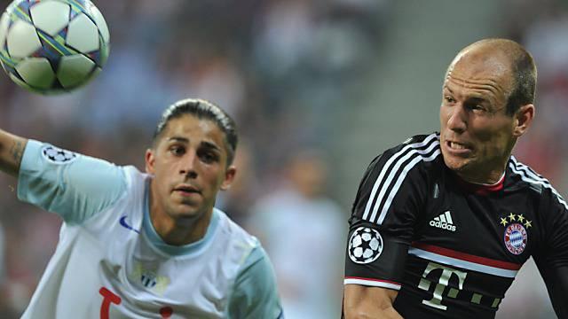 Rodriguez (links) trifft in der Rückrunde wieder auf Bayerns Robben
