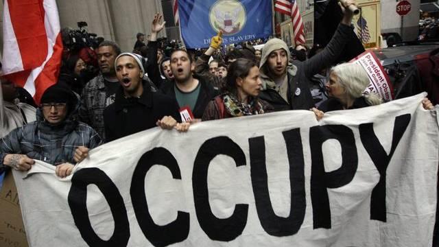 Tausende Demonstranten belagerten die Wall Street in New York