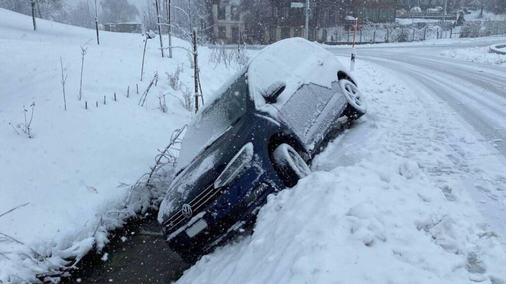 Schneegestöber: Viel Blechschaden, kaum Verletzte