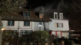 Die Feuerwehr Maur evakuierte sofort die 17 Bewohnerinnen und Bewohner.