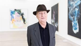 Georg Baselitz in der Fondation Beyeler vor neuen Bildern. Er ist nicht nur einer der berühmtesten, sondern auch einer der wichtigsten Maler unserer Zeit. Severin Bigler