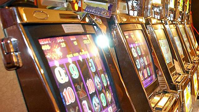 Wiederzulassung von Geldspielautomaten sorgt für Skepsis. (Symbolbild).