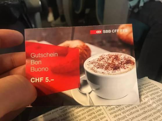 Die SBB verteilen Tausende 5-Franken-Gutscheine.