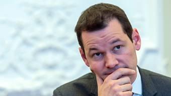FDP-Staatsrat Pierre Maudet muss sich unangenehmen Fragen stellen.