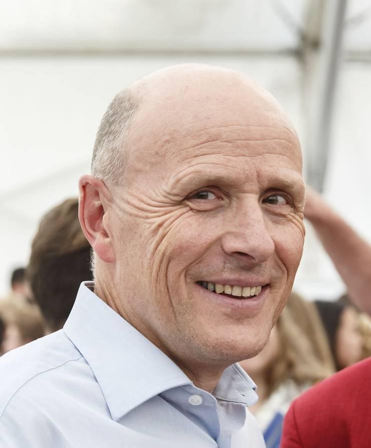 Der 55-jährige Thomas Jenni, der seit vier Jahren das Amt des Gemeindepräsidenten von Günsberg innehält, ist als Geschäftsführer des Auto Gewerbe Verbands Solothurn und zudem als Projektleiter Berufsmanagement beim kantonalen Gewerbeverband tätig.