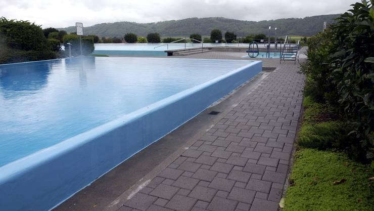 «Das Schwimmbad wird 50 Jahre alt und ist sanierungsbedürftig», erklärt Gemeindepräsident Bernhard Jöhr.