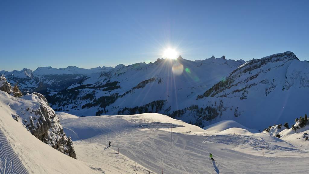 Freizeittipp: Back2style Snowboard Contest und Sonnenaufgangsskifahren auf dem Stoos