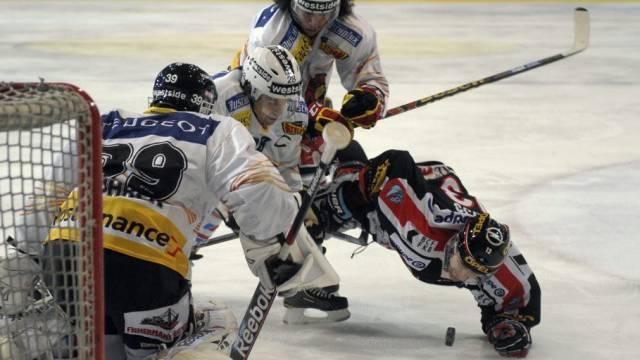 Benjamin Plüss beschäftigt die Berner Defensive.