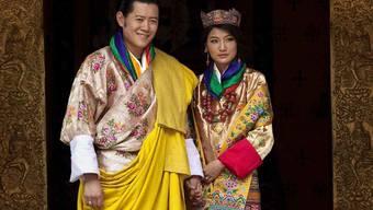 Bhutans König heiratet seine PIlotin