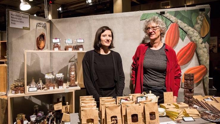 Renata Köhn (rechts) mit Tochter Séverine von de Schokoladenmanufaktur Bamert aus Frick.