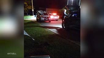 Minderjährige stahlen in Lostorf ein Auto und rammten damit zuerst ein Schild und dann eine Hauswand. Ein Anwohner erzählt von seinem jähen Erwachen.