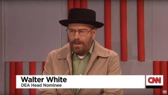 Ab Minute 1:27: Bryan Cranston zu Gast bei Saturday Night Live als Walter White aus der legendären Serie «Breaking Bad»