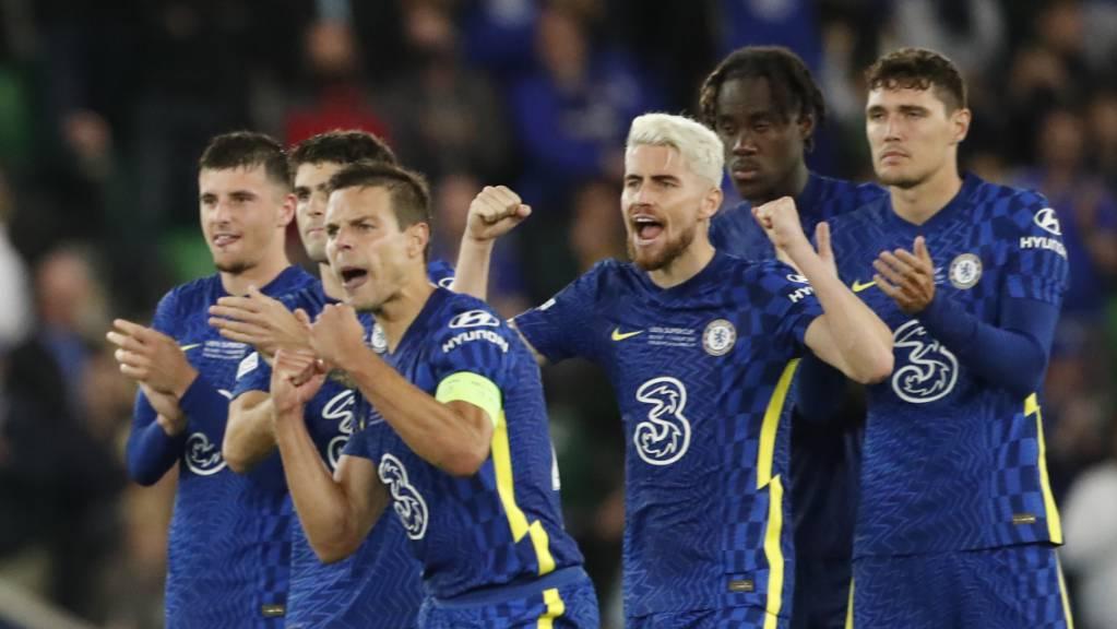 Erster Titel der noch jungen Saison: Chelsea jubelt über den Gewinn des Supercups.