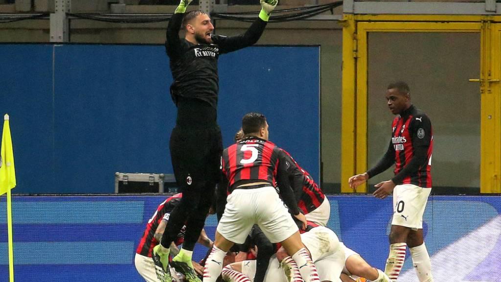 Milans Weihnachtsjubel: Dank einem Last-Second-Treffer bleiben die Mailänder Leader der Serie A