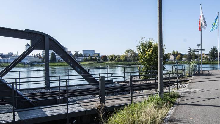 Von der Wiesenmündung im Basler Rheinhafen soll sich die neue Überquerung des Flusses direkt ins Nachbarland spannen.