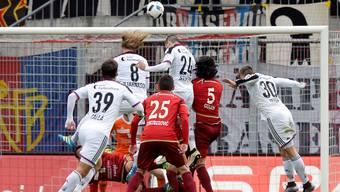 Die Spieler des FC Basel haben das Geschehen gegen den FC Vaduz in der Regel im Griff.Keystone