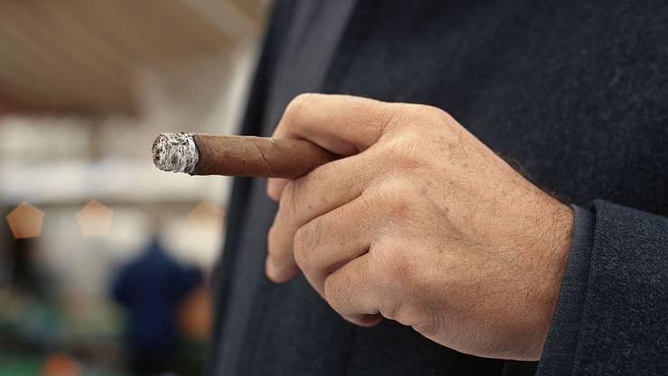 Ein 77-jähriger Raucher verursachte mit seinem Stumpen eine Explosion.