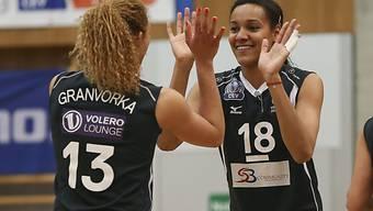 Auftaktsieg für Volero (im Bild Granvorka, links, und Onyejekwe)