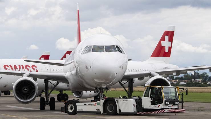Flugzeug-Besatzungen dürfen künftig erweitert untersucht werden.
