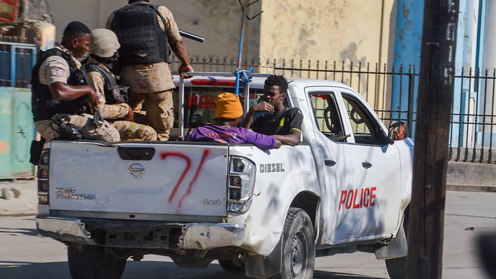 Sieben katholische Kirchenvertreter in Haiti entführt