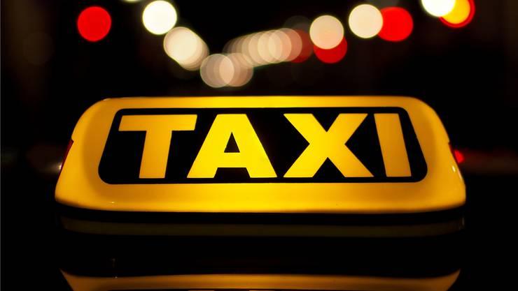 Während einer Taxifahrt kam es im September 2015 zu einer heftigen Prügelei. (Symbolbild)