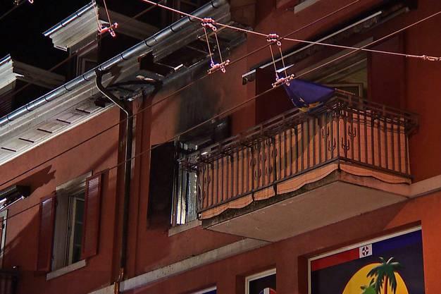 Die Wohnung stand bereits in Vollbrand, als die Feuerwehr eintraf.