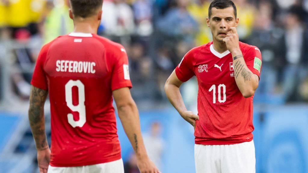 Granit Xhaka (rechts) erfüllte die hohen Erwartungen an der WM nicht - auch Haris Seferovic gehört zu den Verlierern