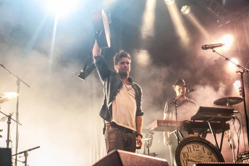 28.06.2014: Bastian Baker am Luzerner Fest