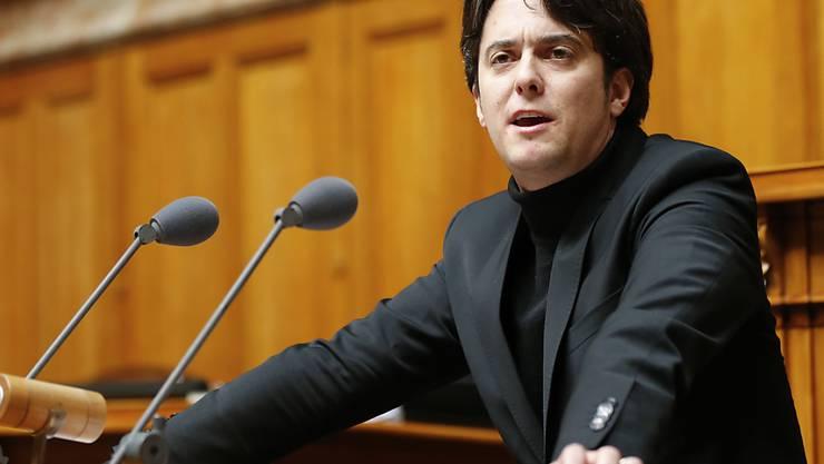 Der Waadtländer SP-Nationalrat Jean Christophe Schwaab wird sich nach der Wintersession von der nationalen Politbühne verabschieden und sich vermehrt um seinen Sohn kümmern, der an einer Entwicklungsstörung leidet. (Archiv)