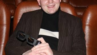 3-D-Vergnügen: André Baumann präsentiert die Brille, welche es zum absoluten Kinovergnügen braucht.