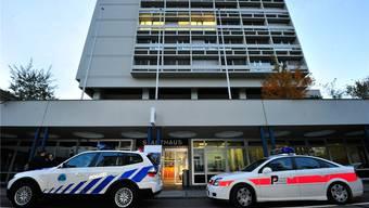 Ab 2016 wird es in Olten nur noch eine Sorte Polizeiautos geben – die rot markierten der Kantonspolizei.